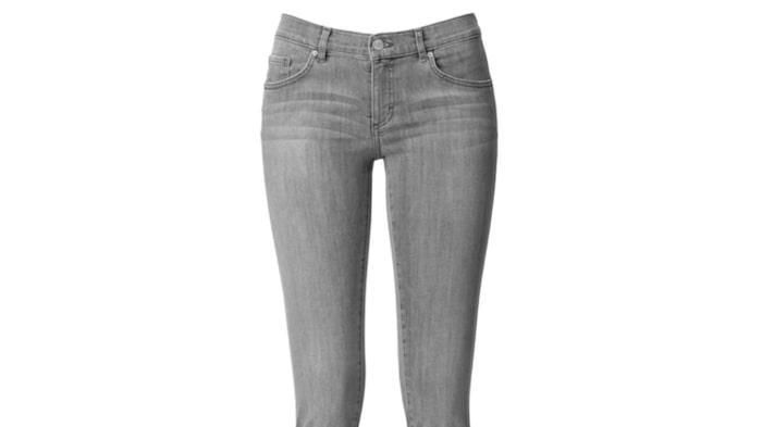 Wera, Åhlens, 599 krSmala stretchjeans i höstens snyggaste gråa färg. Matcha med stövletter med klackar för extra längd. Finns i storlek från 36 till 44.