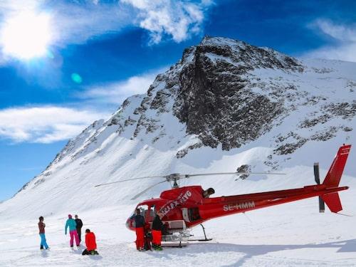 Att testa helikopterskidåkning behöver inte kosta skjortan