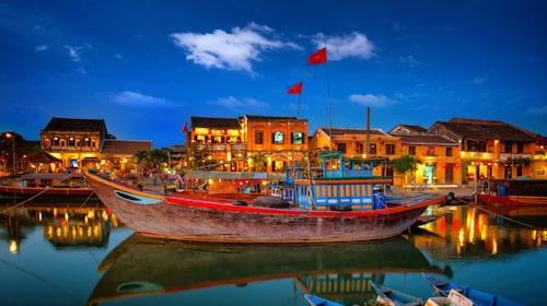 På Hoi An i Vietnam får du både kultur-och badsemester i ett.