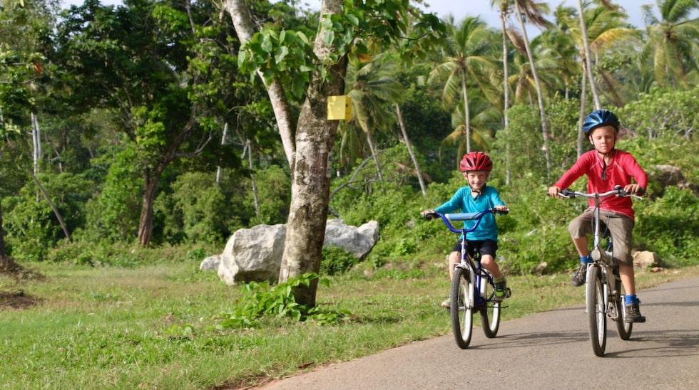 Även på resan får man cykla.