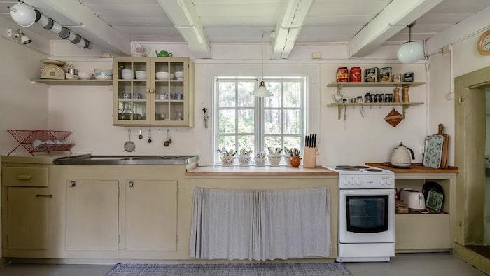 Platsbyggt kök.