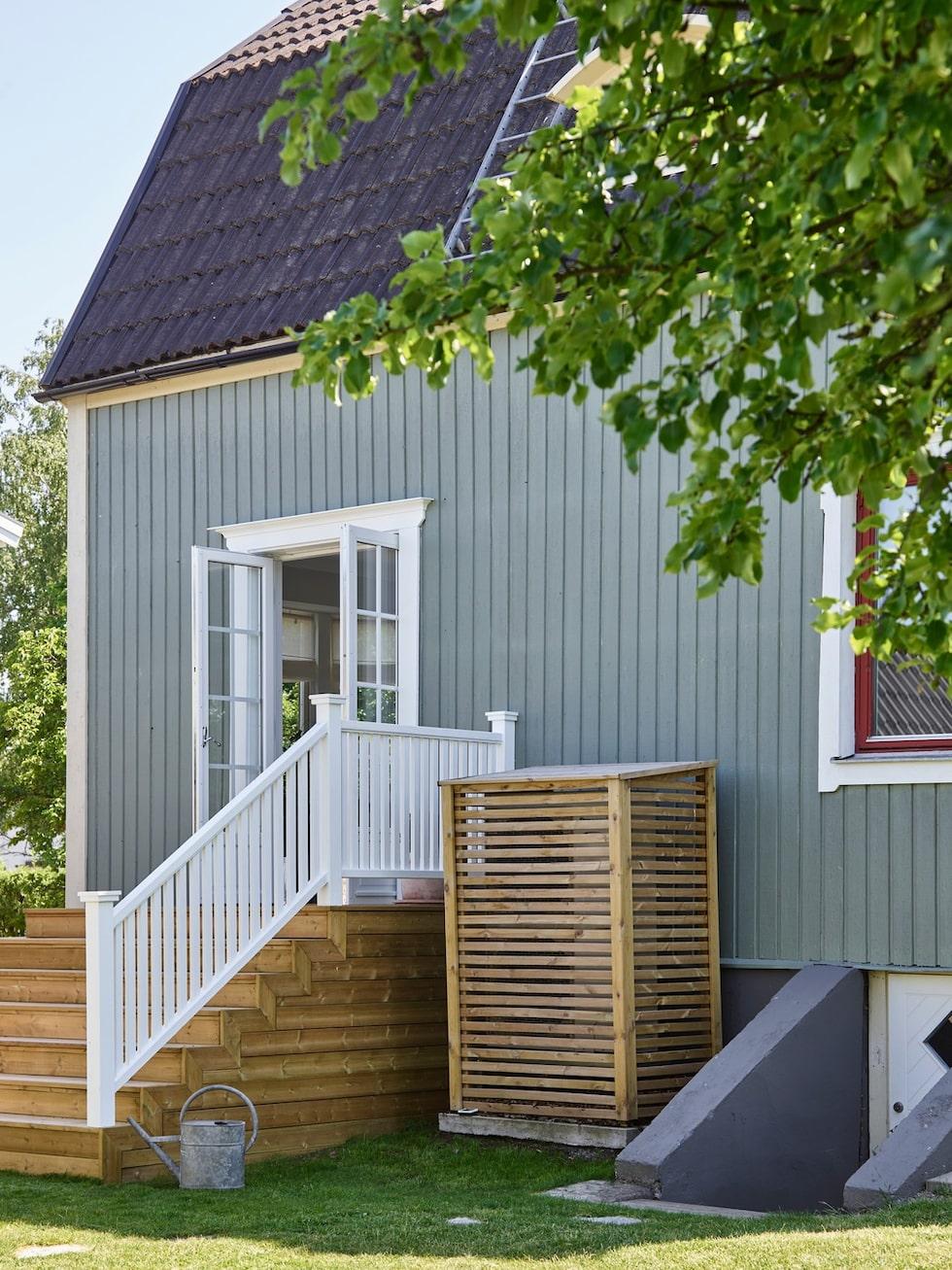 En pardörr ut i trädgården och en trappa är det det som lyft huset mest, tycker Sofia och Uffe.
