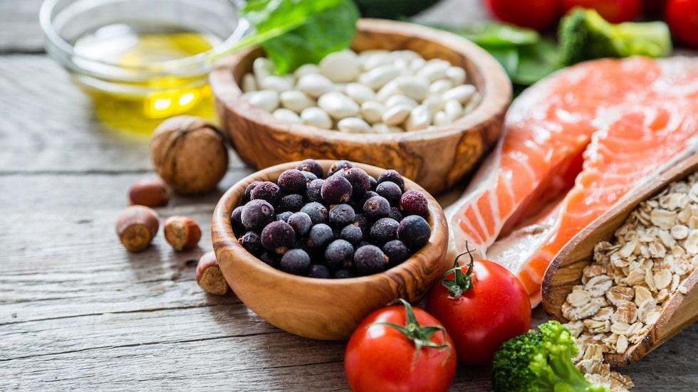 """Var inte rädd för det naturliga sockret som finns i frukt. """"Frukt är en komplett hälsoprodukt. Det mättar och består till 90 procent av vatten, säger Fredrik Paulún."""