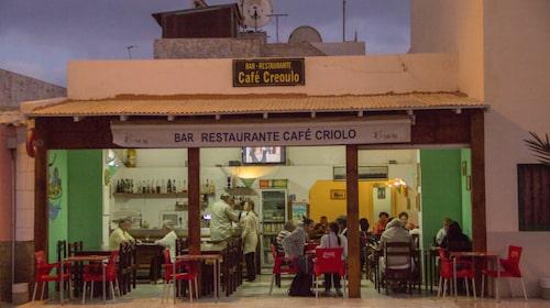 Café Criolo i Santa Maria serverar billig cachupa.