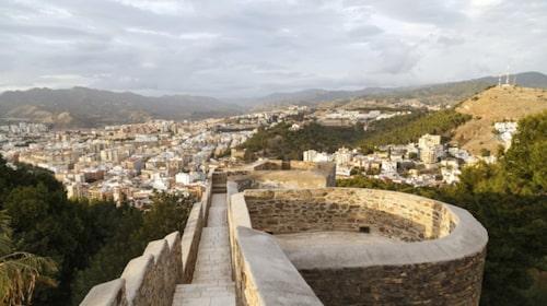 Fortet Alcazaba byggdes av kalifen av Andalusien på 900-talet.