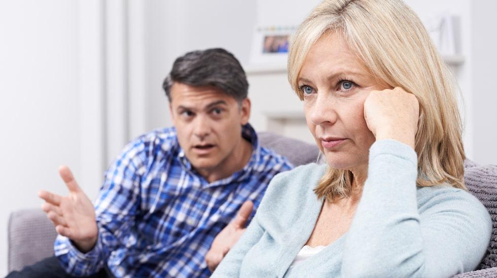Nu visar det sig att en dålig relation är lika farlig för hälsan som att röka eller dricka.