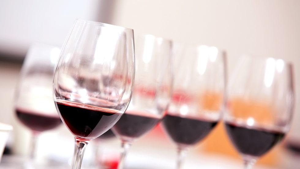 Prova rött vin till torsfilé.