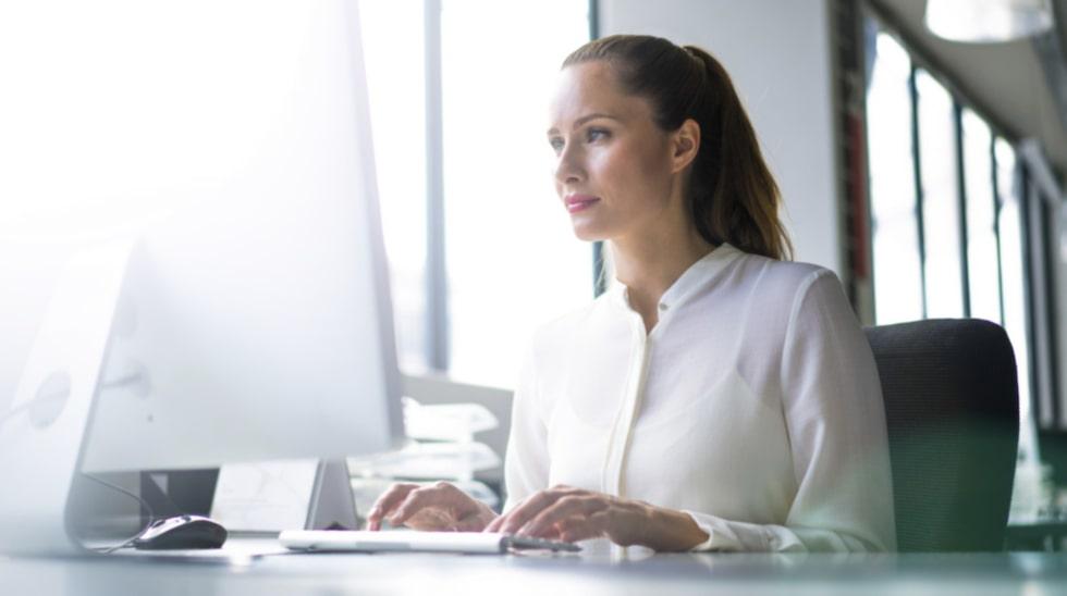 Den som har ett stillasittande jobb, till exempel på kontor, bör röra på sig minst 60-75 minuter om dagen.