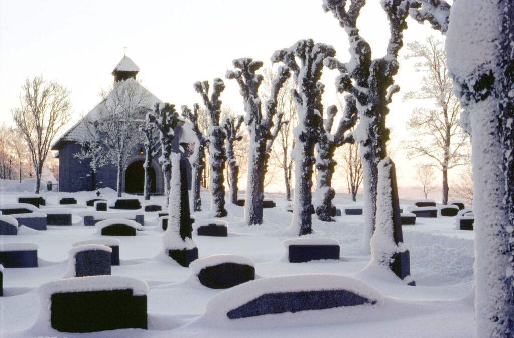 <p>I Finland hedras de döda med ett besök till kyrkogården på jul.<br></p>