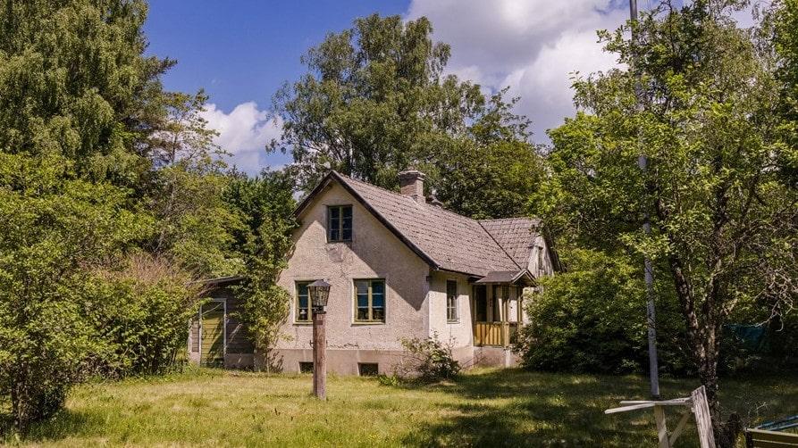 Byggåret är 1850, med sedan dess har mycket hänt och flera utbyggnader gjorts.