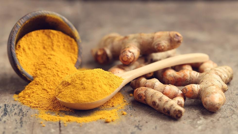 Gurkmeja innehåller kurkummin som sägs ha många olika hälsofördelar.