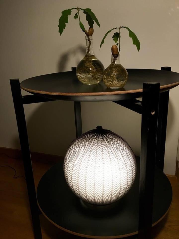 """Nu har """"nya"""" lampan fått en hedersplats i vardagsrummet."""