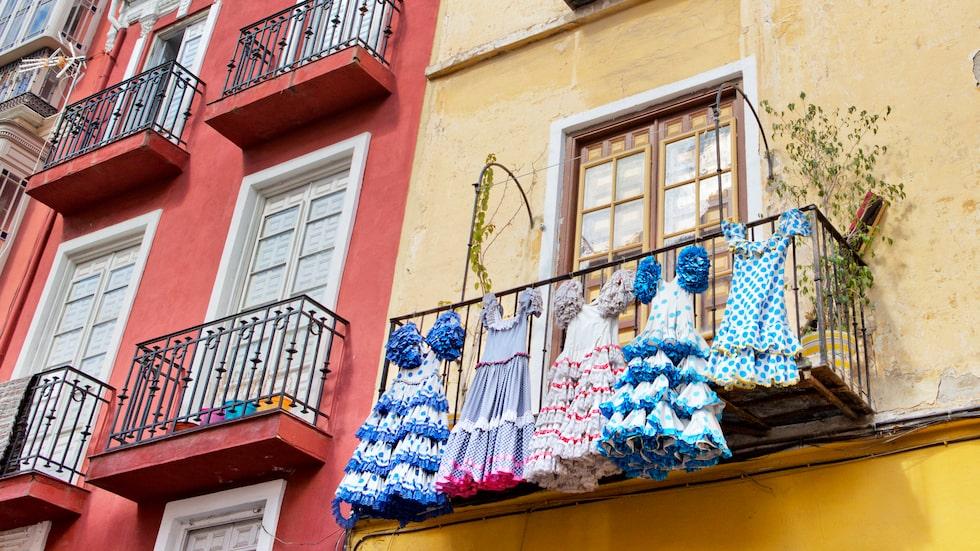 Flamenco och patinerade fasader, en del av bilden av Andalusien.