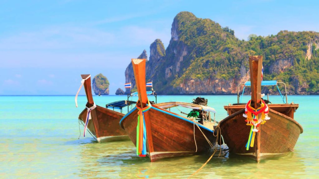 Passa på att resa till Phuket och västra Thailand under vår svenska vinter.