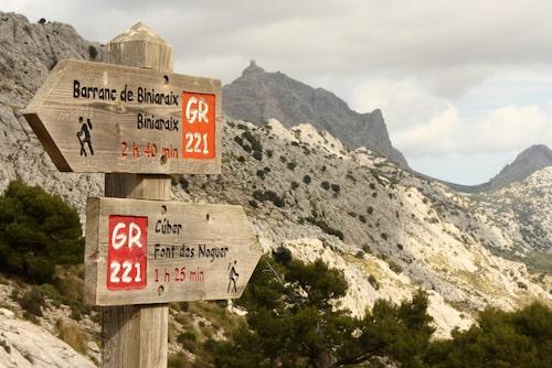 Vandringsleden nerför den trånga ravinen Barranc de Biniaraix.