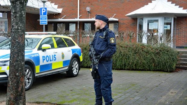 Polisstation i Stenungsund avspärrad efter hot
