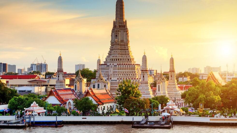 Templet Wat Arun är ett mycket populärt turistmål.