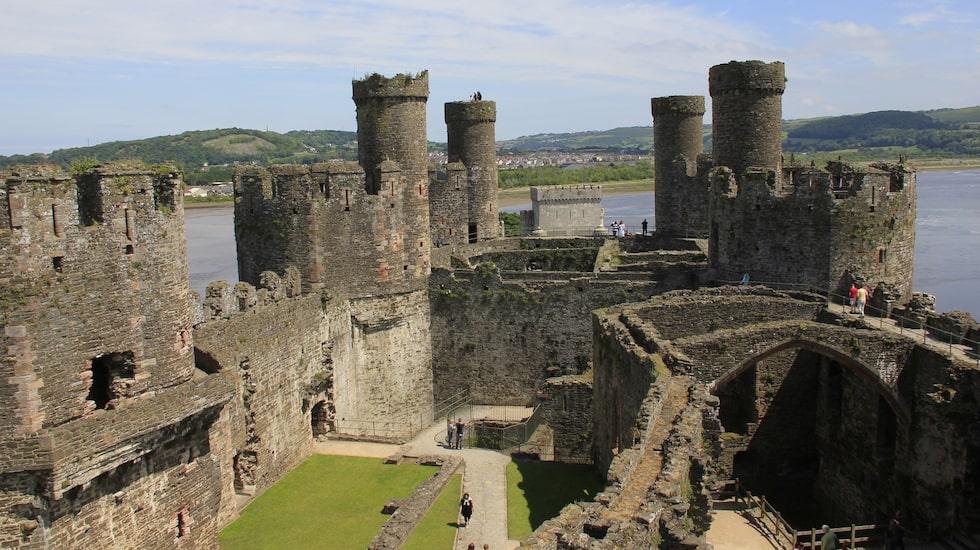 Rut 600 medeltida borgar finns i Wales, vilket gör landet till det borg-tätaste i hela Europa.