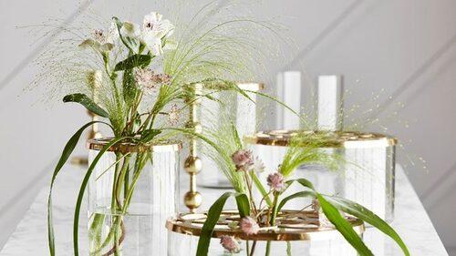 """Mios vas """"Lily"""" finns i två storlekar."""