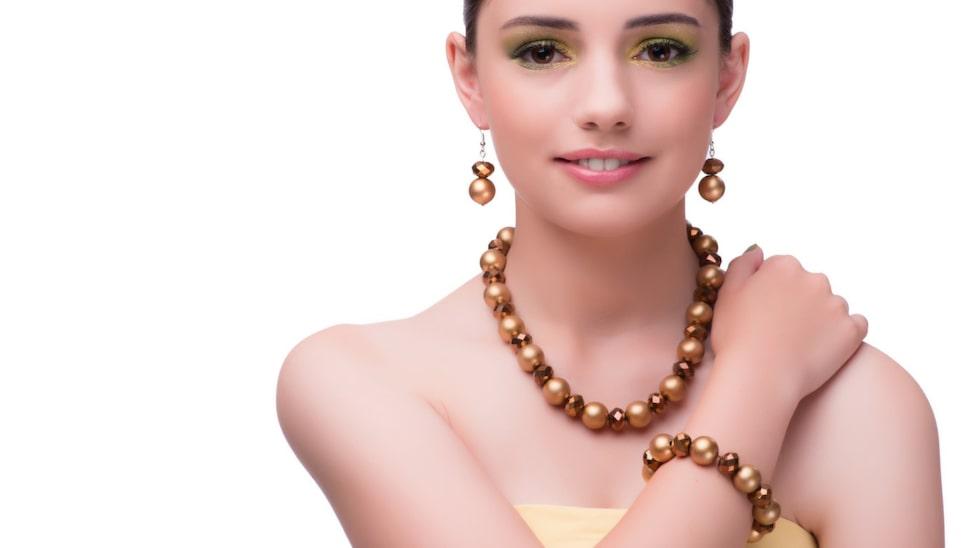 Dina smycken kan vara värda tusentals kronor. Bilden har inget med exemplen i artikeln att göra.