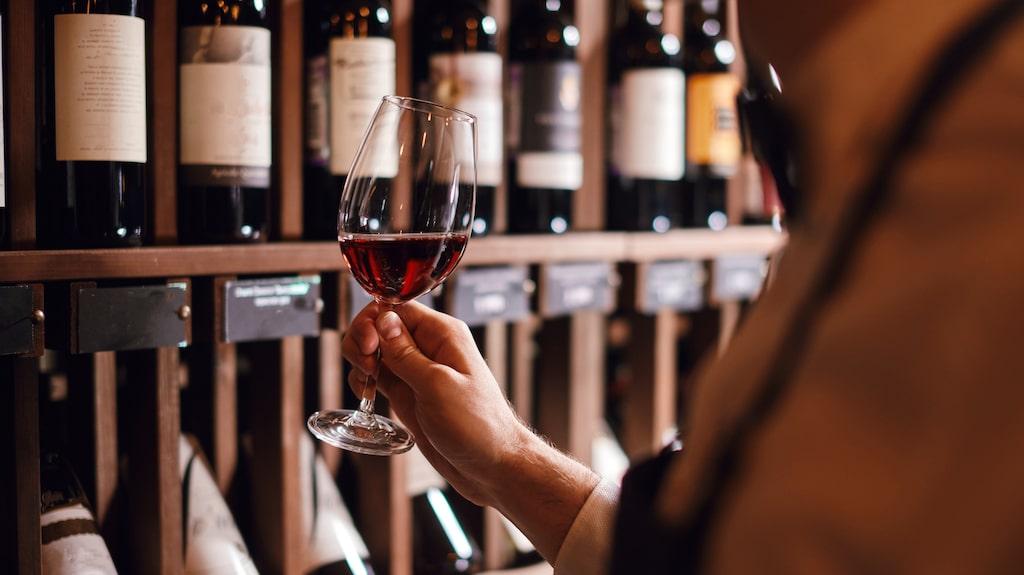 Vem blir Årets dryckesprofil 2020? Det avslöjas i Allt om Vins nyårsnummer måndagen den 7 december.