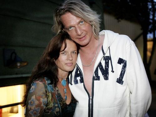 Tommy Nilsson med exhustrun Malin Berghagen.