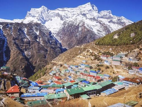 Namche Bazaar ligger på 3 500 meters höjd vid foten av Himalaya.