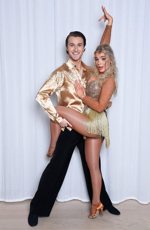 """Keyyo i """"Let's dance"""" med sin dansparther Hugo Gustafsson."""