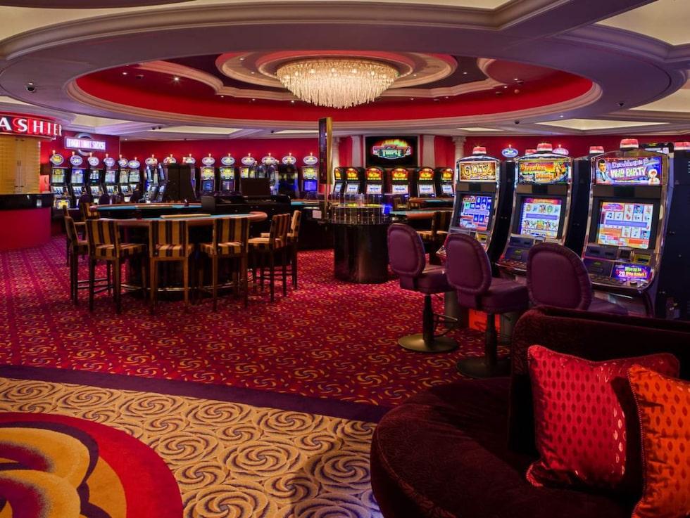 Lyxkryssaren rymmer även ett kasino.
