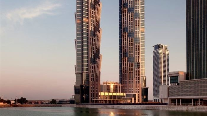 Med sina 358 meter är JW Marriott Marquis Hotel världens högsta hotell.