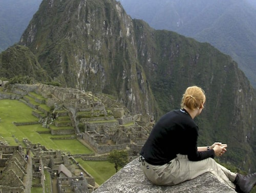 Klippstaden Machu Picchu i Peru har kostat flera våghalsiga turister livet.
