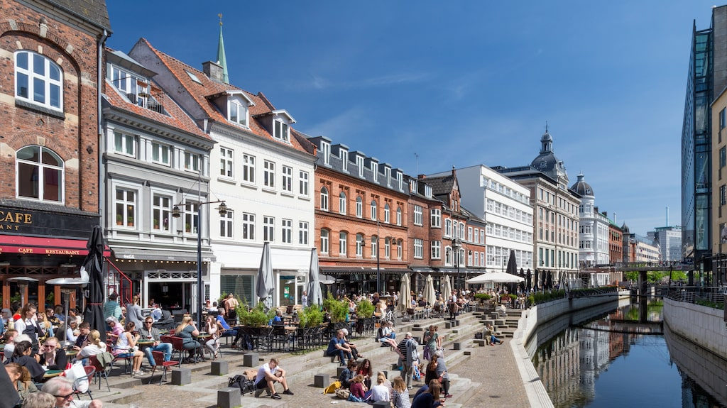 Mysiga Århus, stora likheter med Köpenhamn. Inte minst det kulturella utbudet.