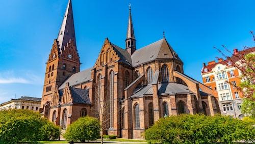 Sankt Petri kyrka är Malmös äldsta byggnad.