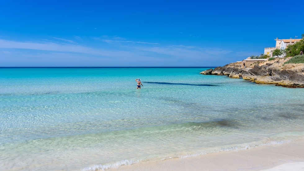 I artikeln listas tio vanliga bluffar och lurendrejerier som drabbar turister på flygplatsen Palma de Mallorca.