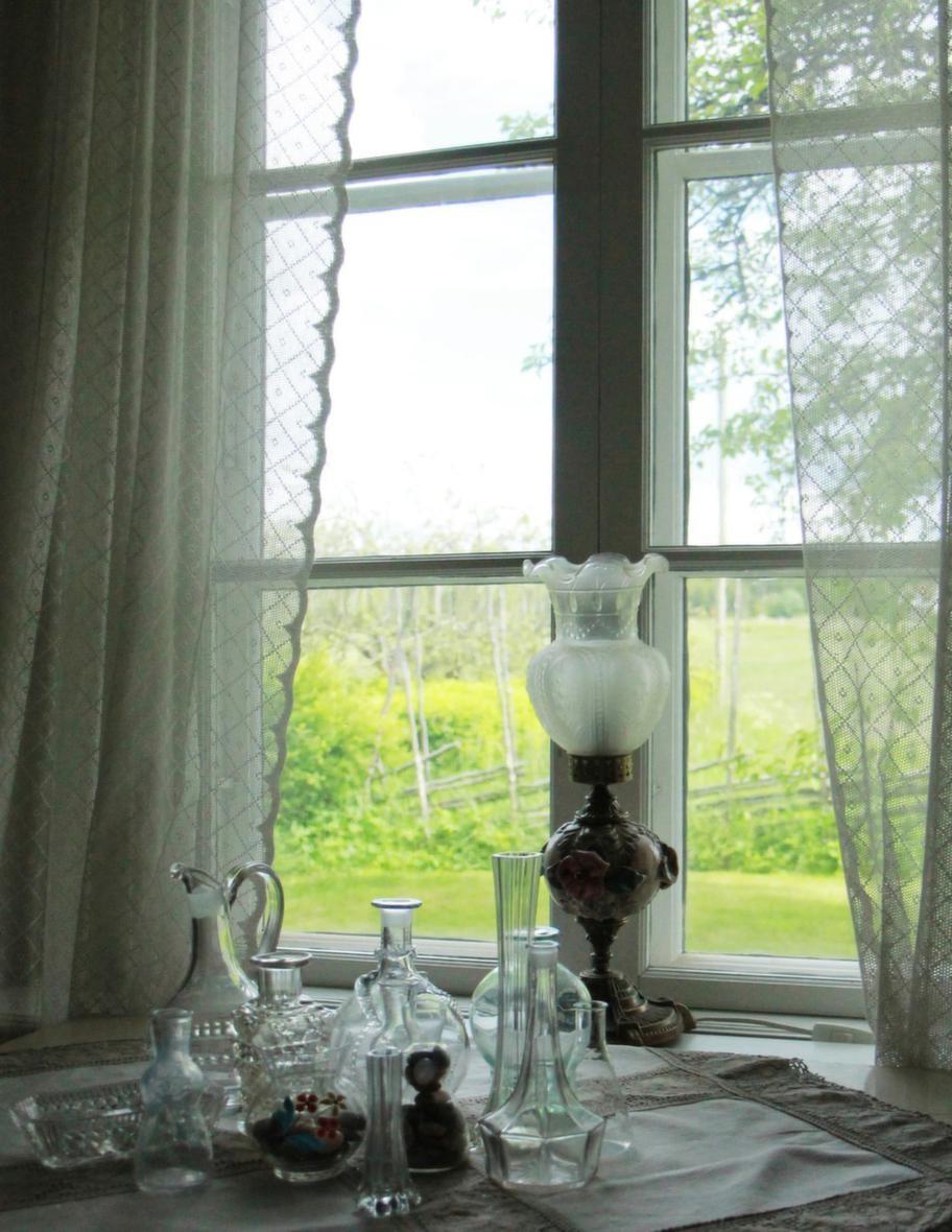 Vilsamt StillebenFrån stora huset har man en fin utsikt över åkrarna.