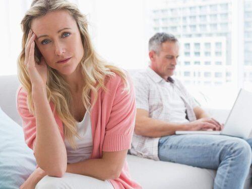 Om du känner att du inte kan lita på dig partner är det en varningsklocka.