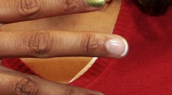 Långfingret: För alla tillfällen. – Den franska manikyren är ett säkert kort. Passar till bröllop, vardag och fest.