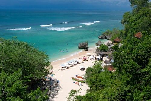 Favoritstranden Padang Padang Beach på Bukithalvön.