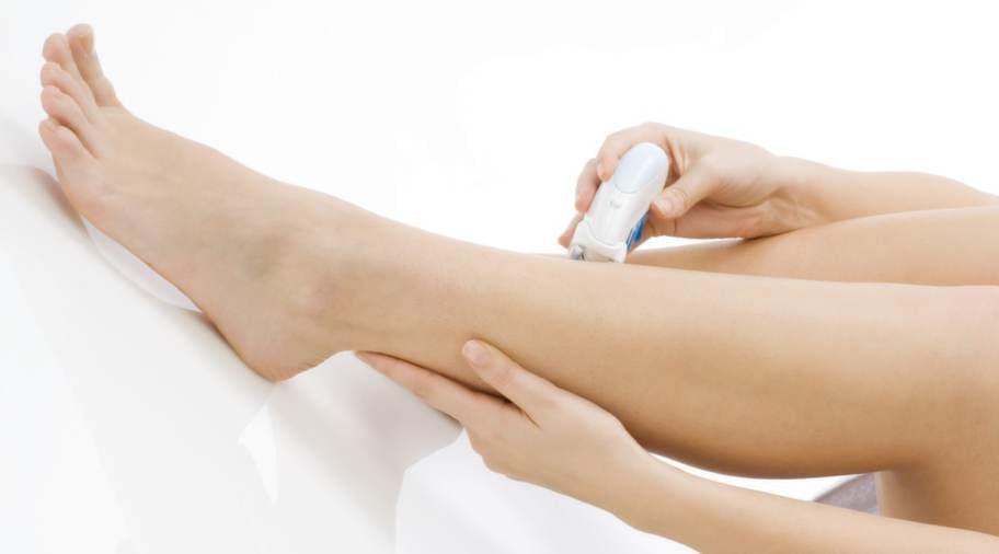 ENKELT. Det är enklare att raka sig med en epileringsmaskin än att vaxa benen.