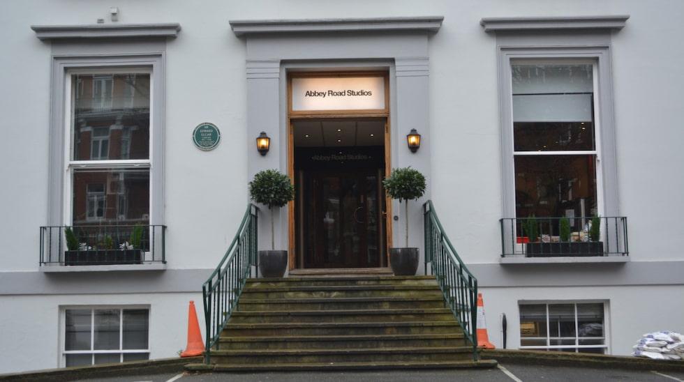 <p>En mängd kända artister har spelat in skivor här. Beatles, Pink Floyd, Amy Winehouse och Cliff Richard för att nämna några. </p>