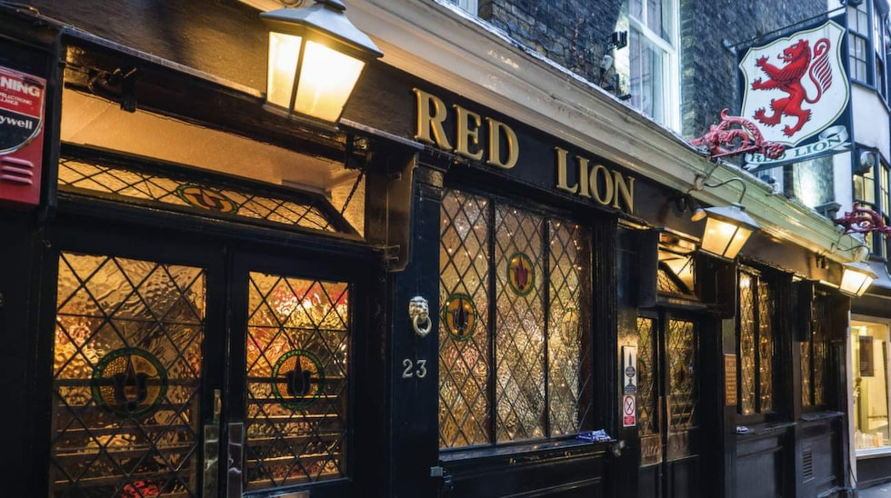 (Old) Red Lion.