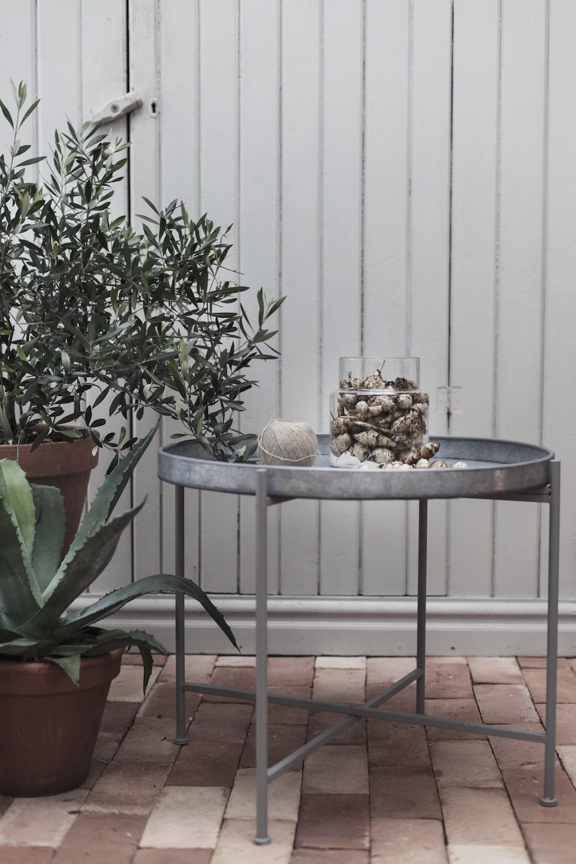 Ernst Kirchsteigers nya vårkollektion för hemmet. Brickbord 899 kronor.