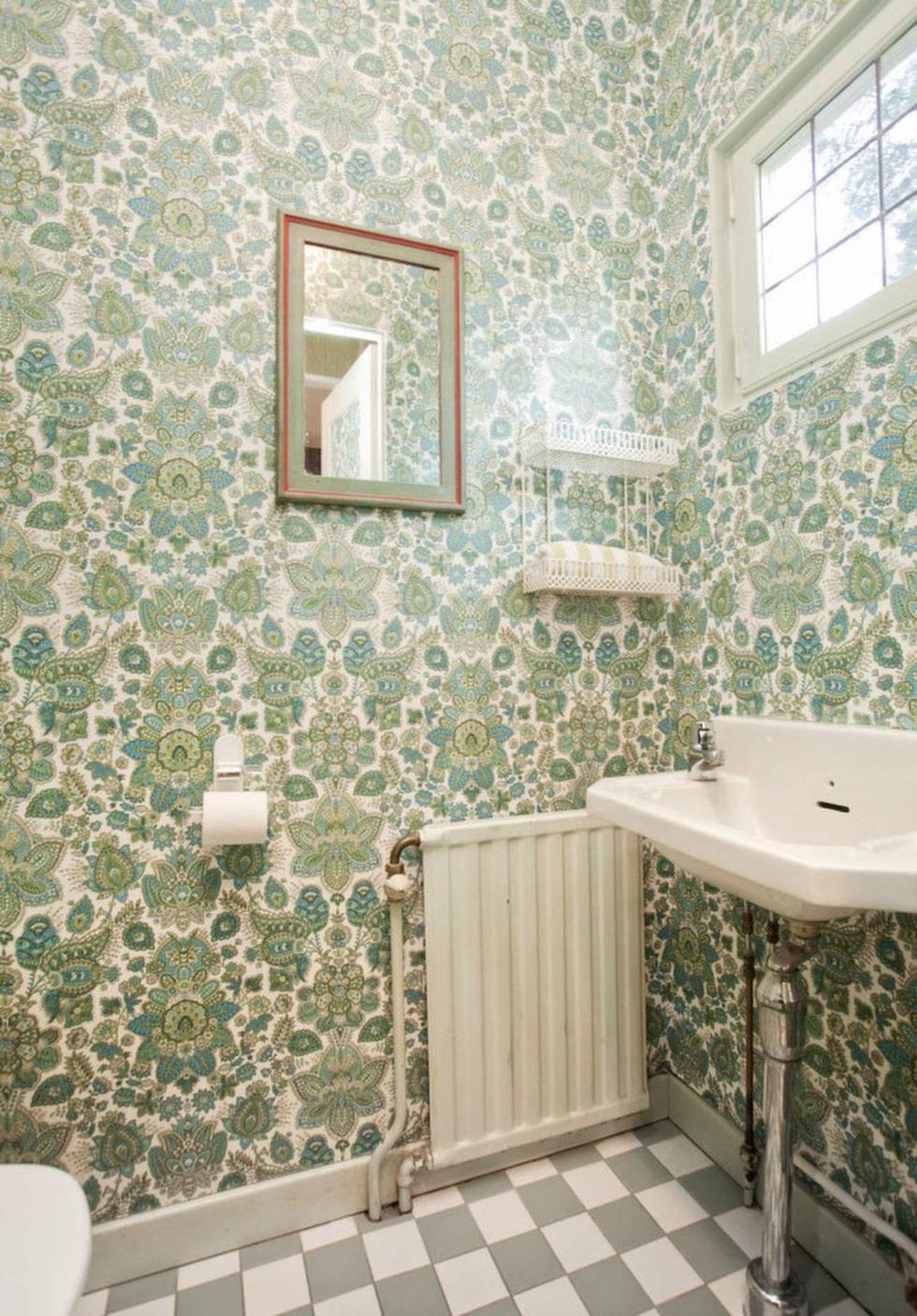 Färgglatt i badrummet.