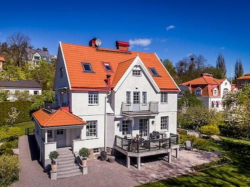 Pampig villa i Danderyd.