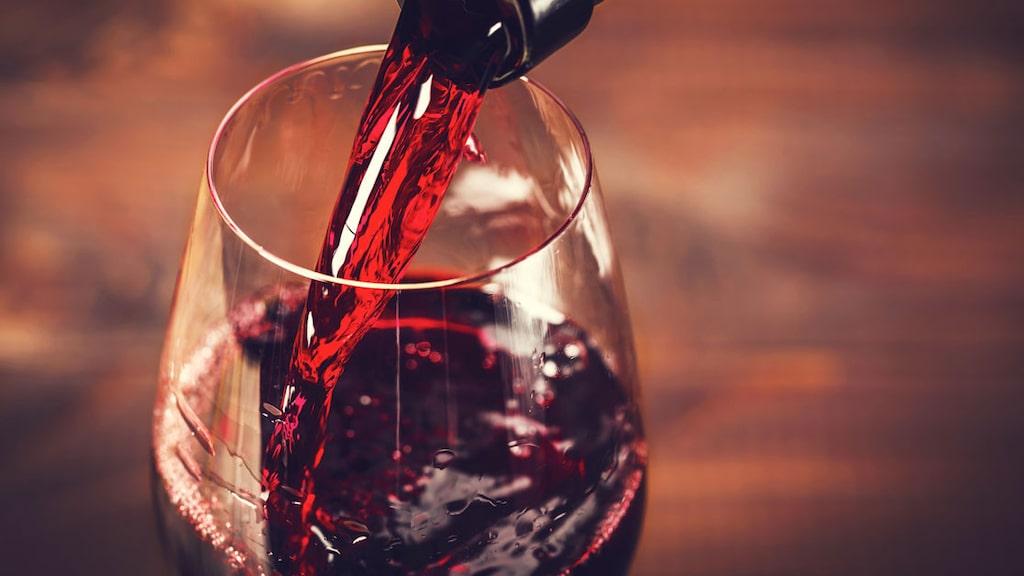 Vilken bar utses till Årets Vinbar 2020? På måndag avslöjas vinnaren i decemberutgåvan av magasinet Allt om Vin.