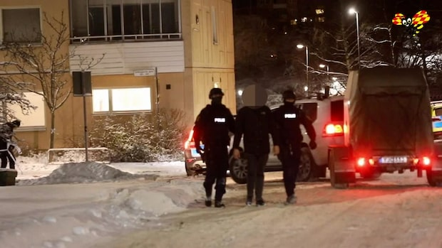 Person gripen efter explosion i Brandbergen