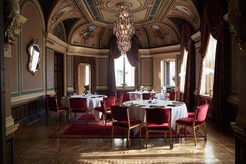 Grand Hôtels vackra byggnader.
