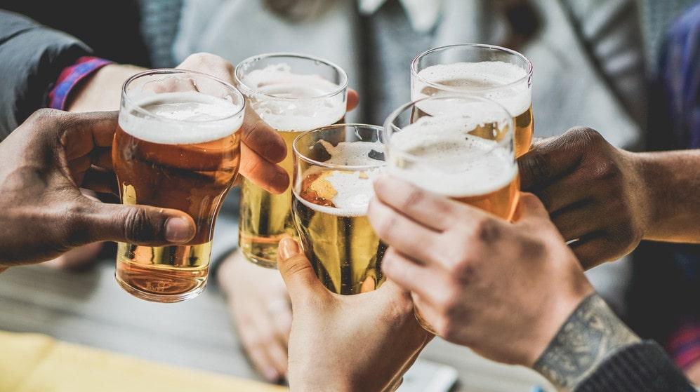 Om svenskarna får välja vem de helst dricker en öl tillsammans med i sommar, då är valet...