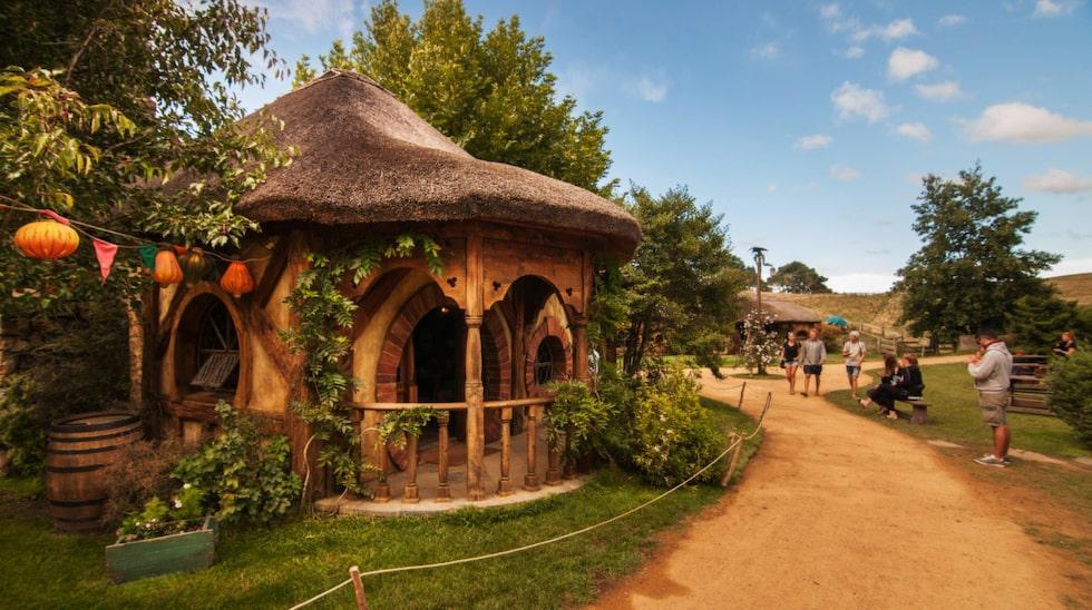Hobbiton, populärt resmål på Nya Zeeland.