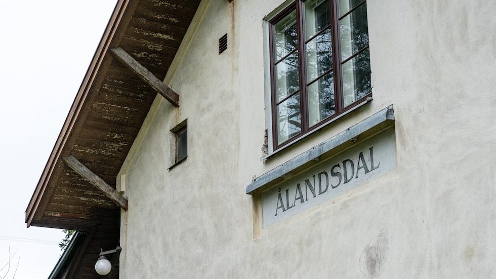 Detaljer från då stationshuset var aktivt finns kvar.